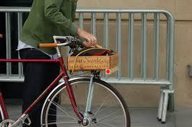 Reuse apple crate as bike basket