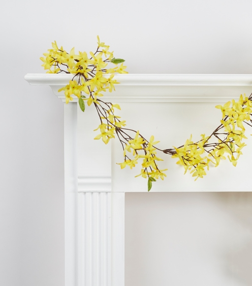 Example of plastic garland with yellow flowers, found at Joann's Fabrics
